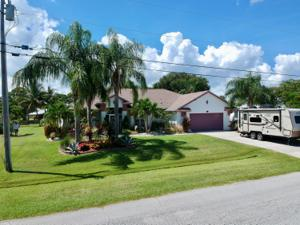 2338 Se West Blackwell Drive, Port Saint Lucie, FL 34952