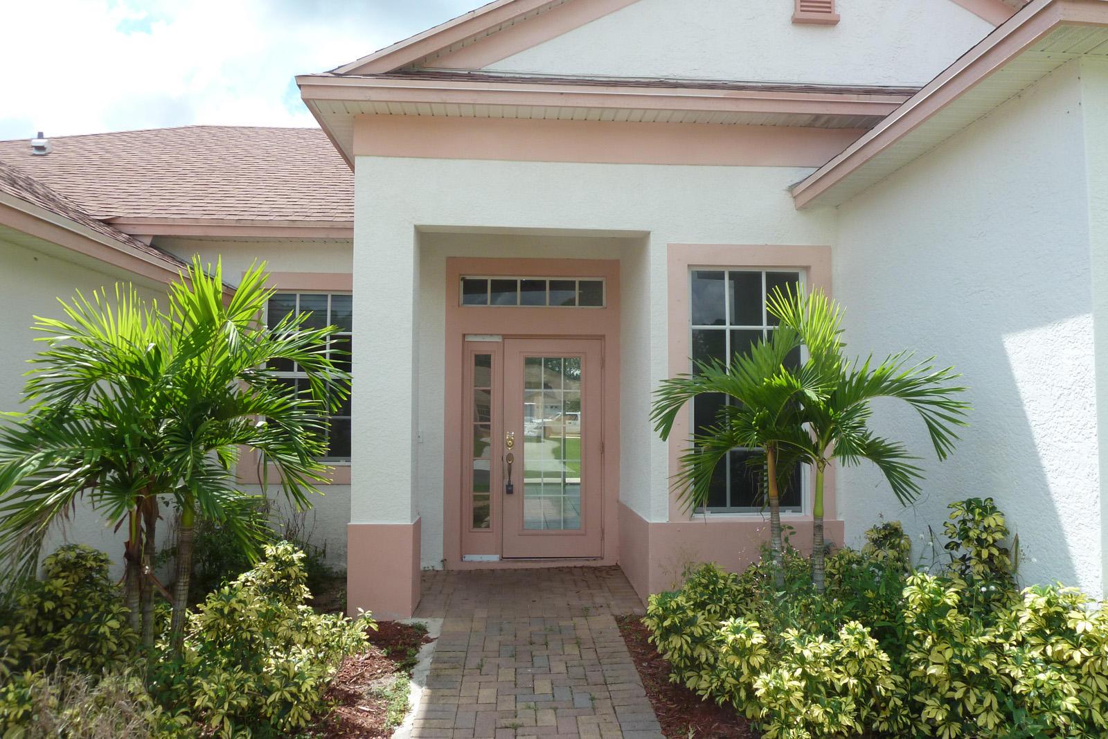 1792 Sw Starman Avenue, Port Saint Lucie, FL 34953