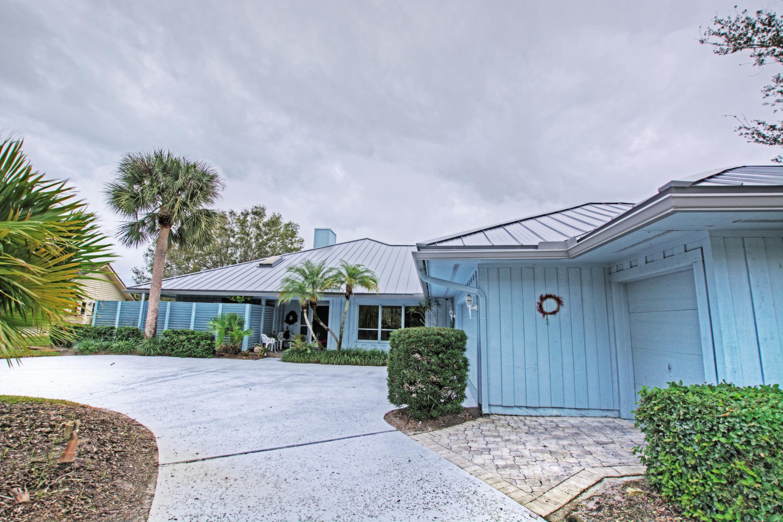 6366 Se Oakmont Place, Stuart, FL 34997