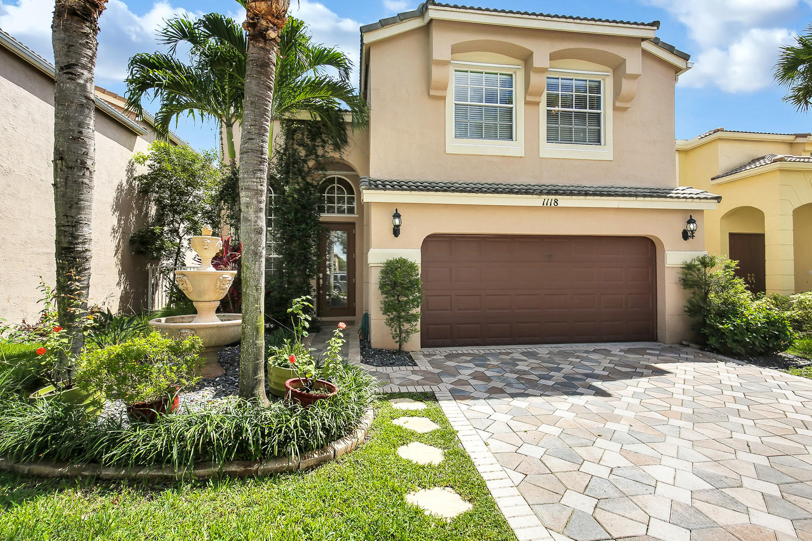 1118 Oakwater Drive, Royal Palm Beach, FL 33411