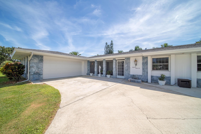 1962 Se Gibbs Avenue, Port Saint Lucie, FL 34952