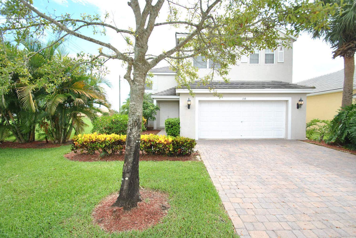 158 Kensington Way, Royal Palm Beach, FL 33414