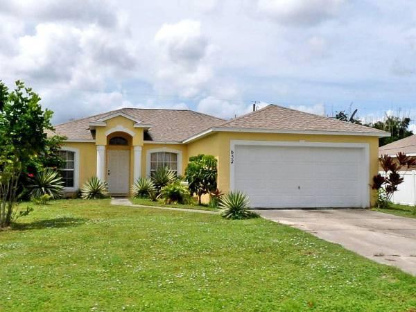 632 Sw Granadeer Street, Port Saint Lucie, FL 34983