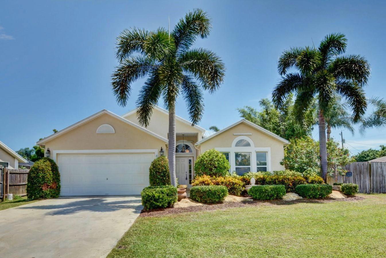 475 Sw Friar Street, Port Saint Lucie, FL 34983