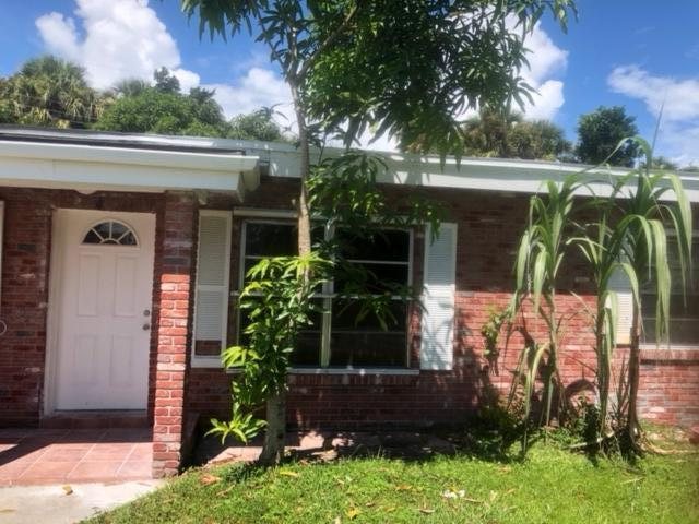 904 Coral Street, Fort Pierce, FL 34950