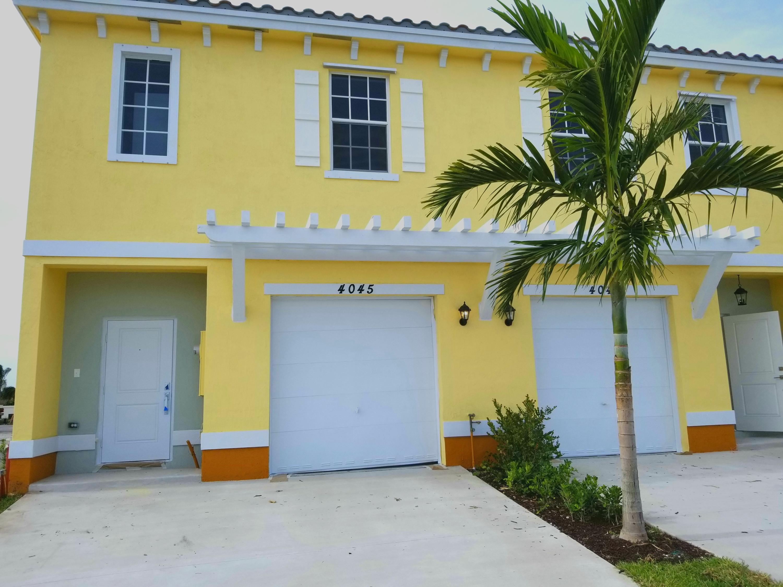 1020 Nw 40th Way, Lauderhill, FL 33313