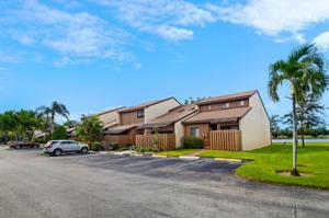 4221 S Pine Island Road, Davie, FL 33328