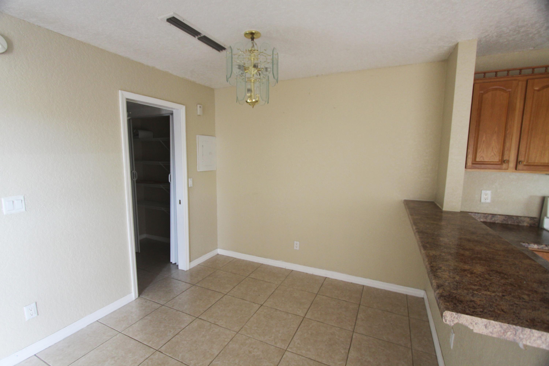 1440 N Lawnwood Circle, Fort Pierce, FL 34950