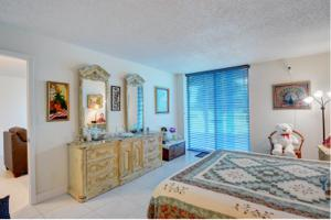 6661 Nw 2nd Avenue, Boca Raton, FL 33487