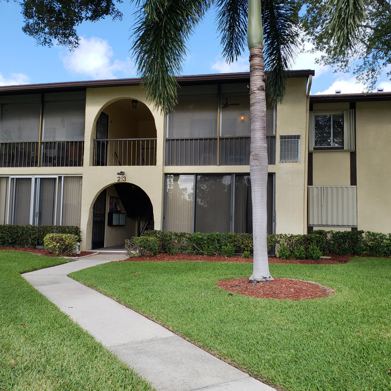 213 Pine Hov Circle, Greenacres, FL 33463