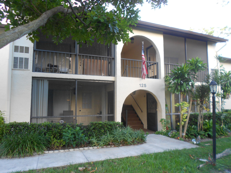 125 Lake Pine Circle, Greenacres, FL 33463