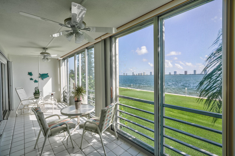 501 Lake Shore Drive, Lake Park, FL 33403