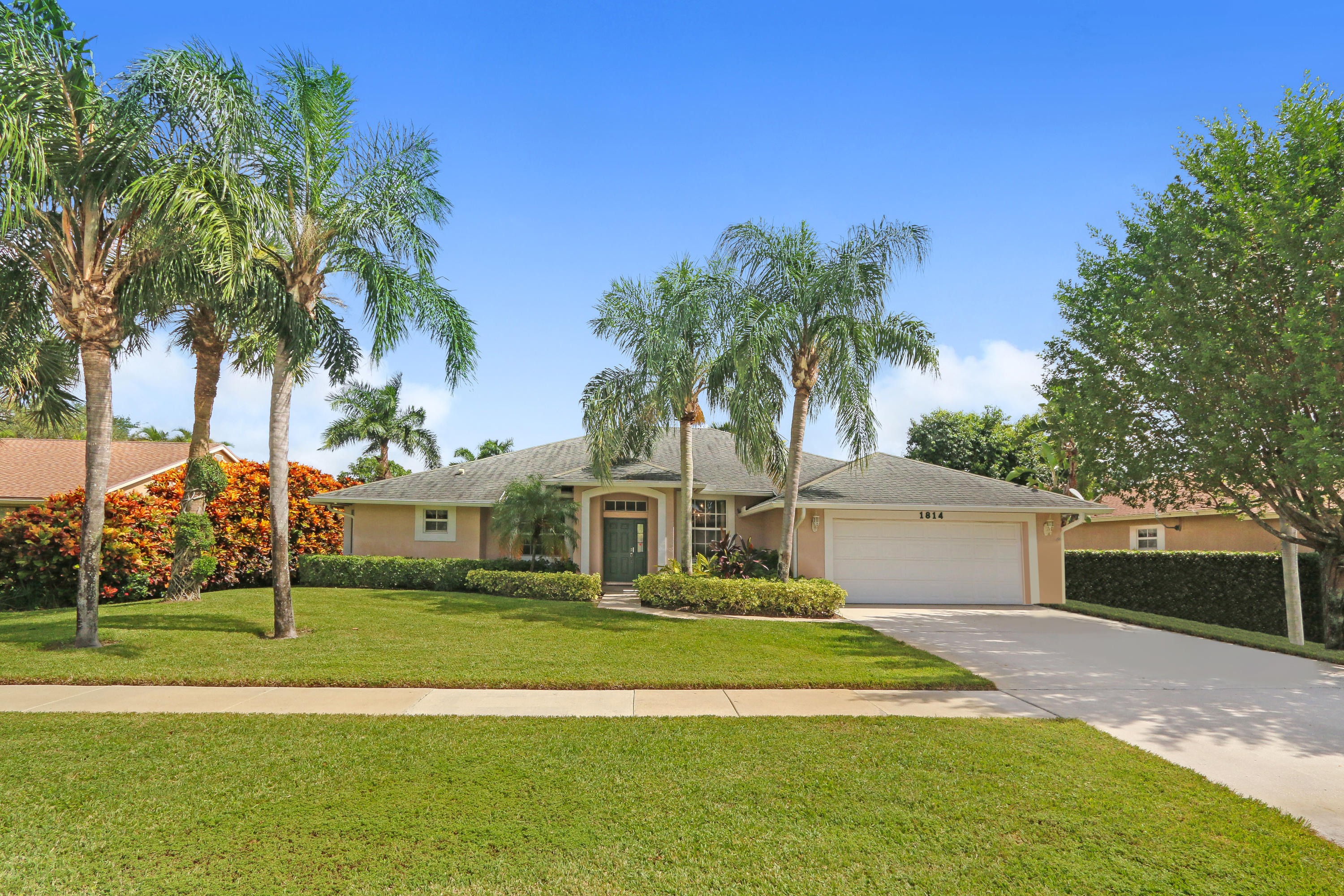 1814 Wiltshire Village Drive, Wellington, FL 33414