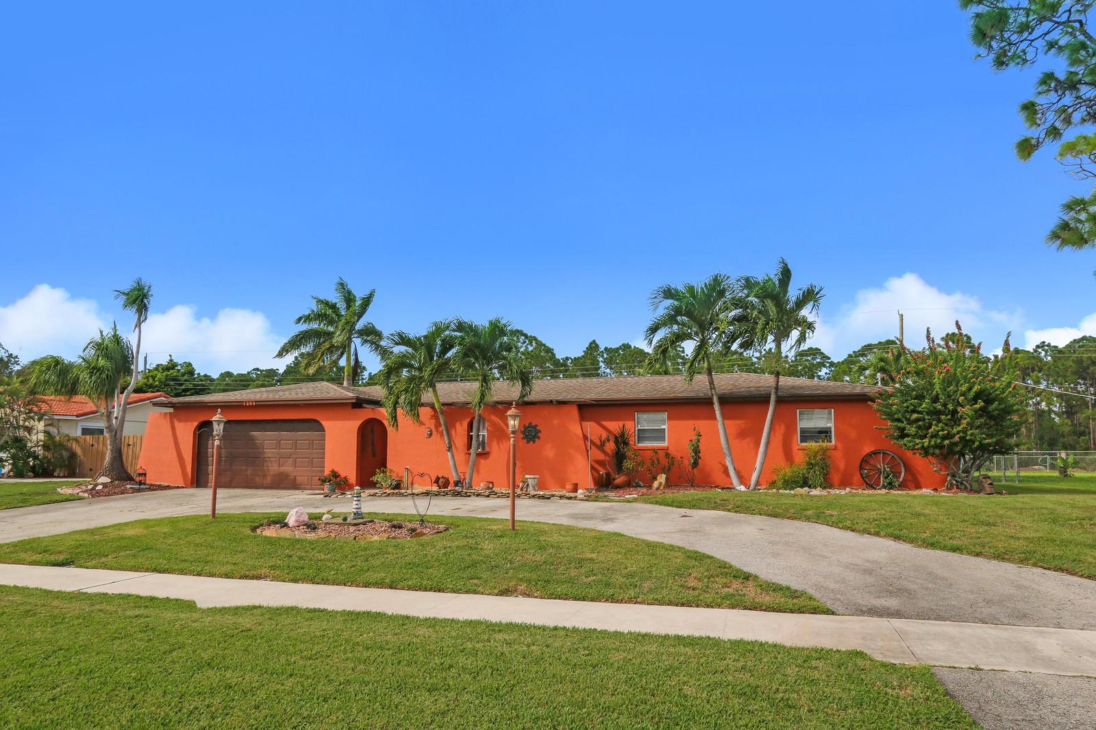 7203 Oakmont Drive, Lake Worth, FL 33467