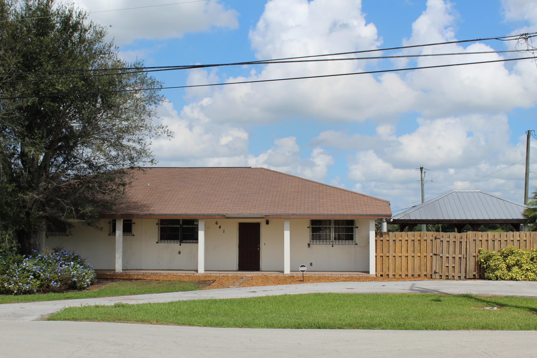 641 E Avenue A, Belle Glade, FL 33430