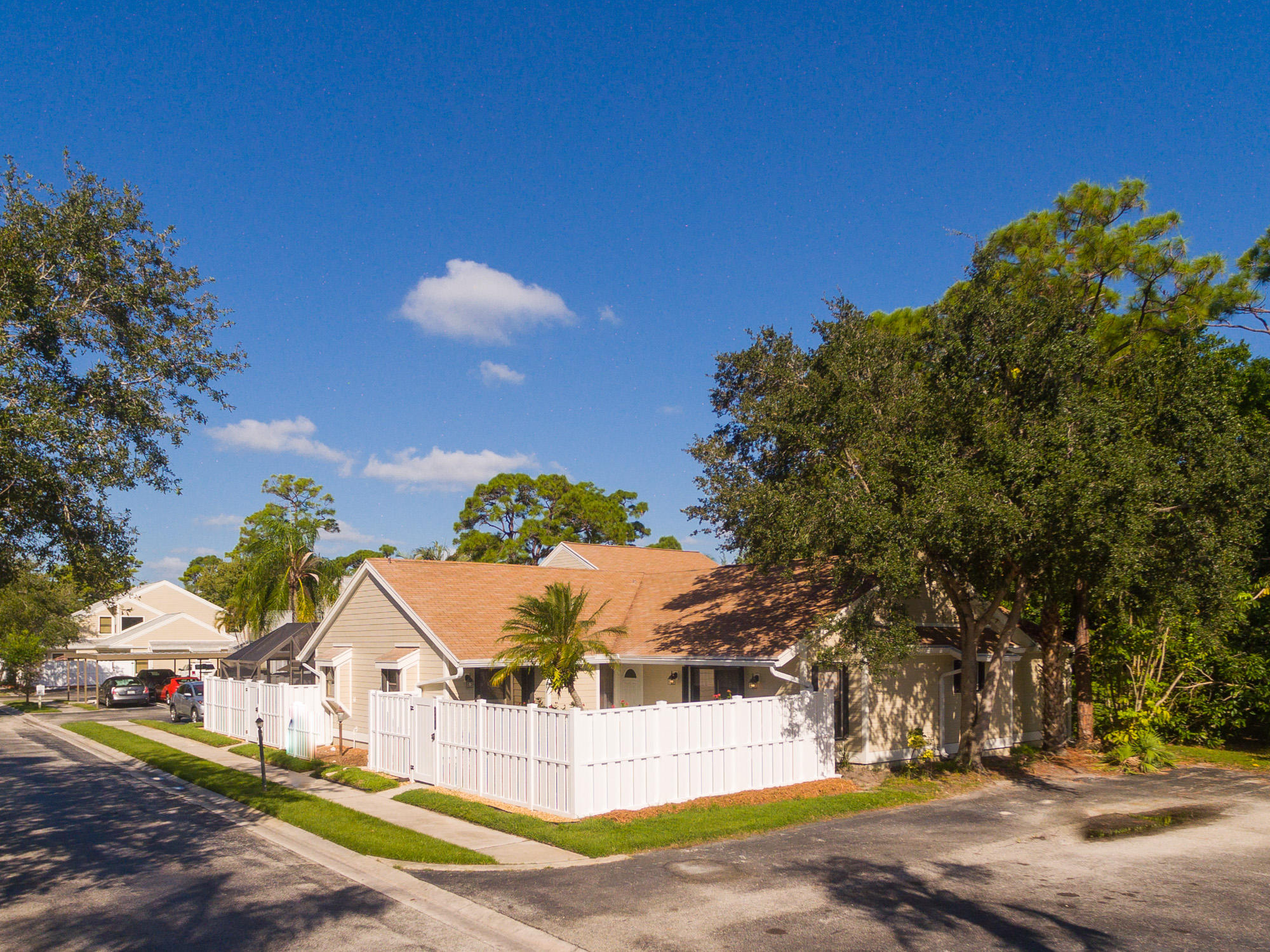 304 Summer Winds Lane, Jupiter, FL 33458