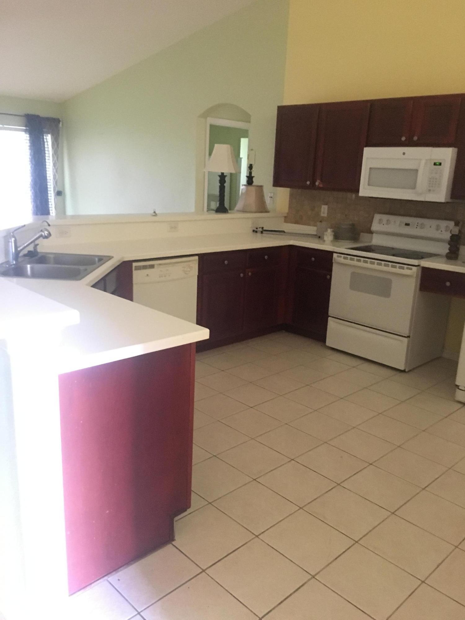 221 Sw Yager Place, Port Saint Lucie, FL 34953