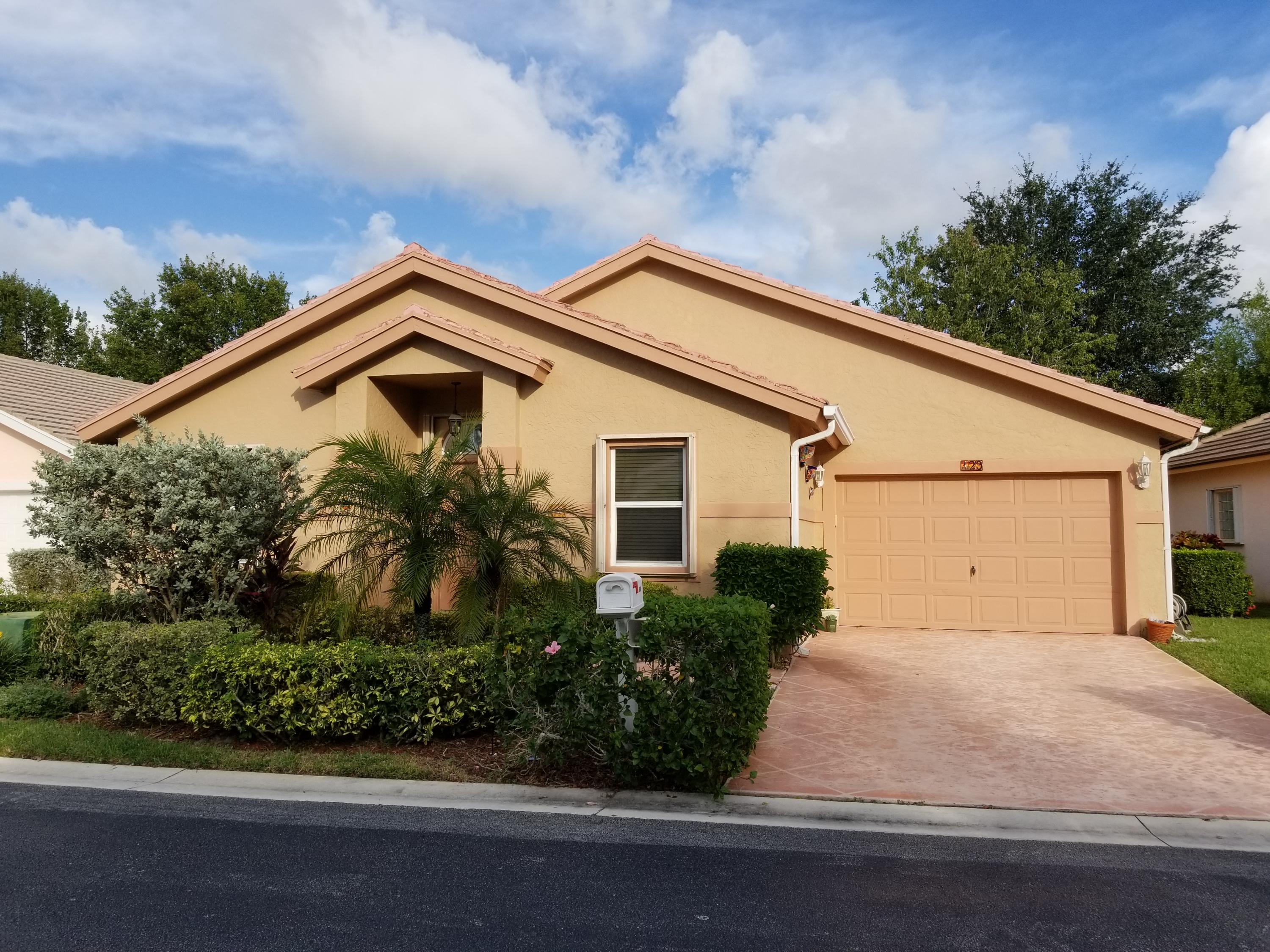 129 Caribe Court, Greenacres, FL 33413