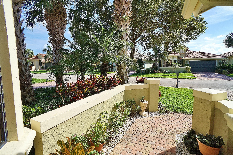 7142 Boscanni Drive, Boynton Beach, FL 33437