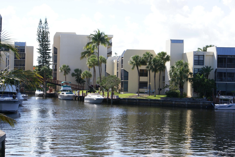 20 Royal Palm Way, Boca Raton, FL 33432