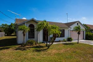 3881 Sw Wycoff Street, Port Saint Lucie, FL 34953