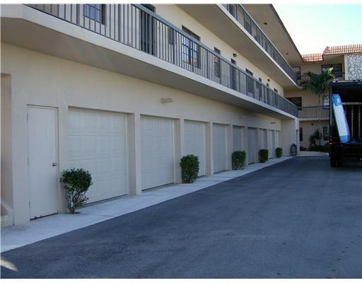 220 Lake Drive, Palm Beach Shores, FL 33404