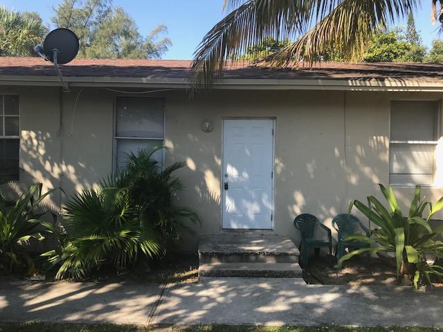 128 W 10th Street, Riviera Beach, FL 33404