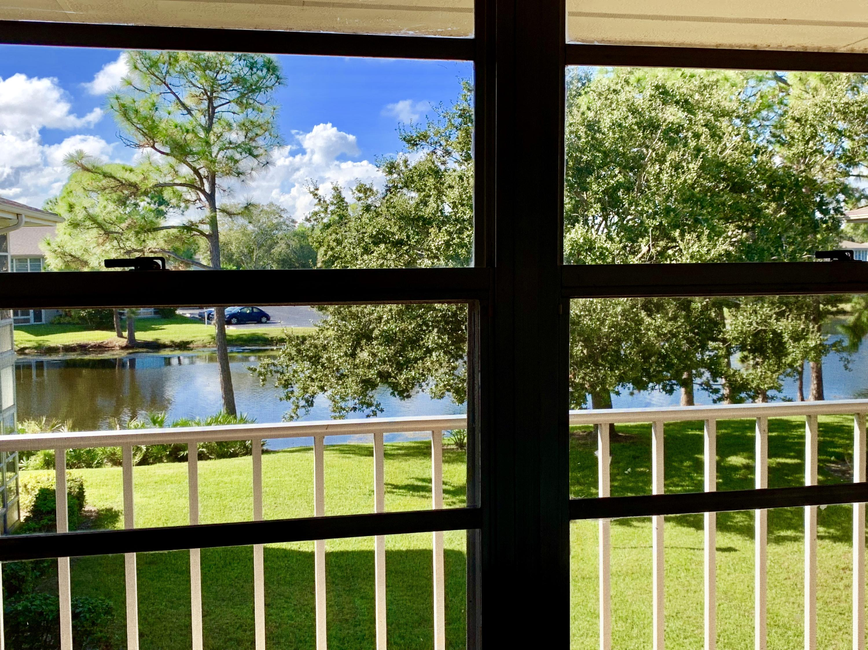 31 Lake Vista Trail, Port Saint Lucie, FL 34952
