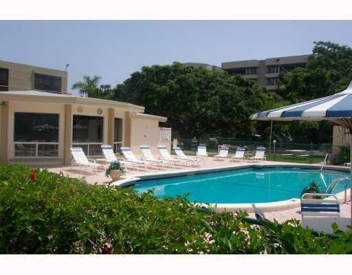 555 Banyan Tree Lane, Delray Beach, FL 33483