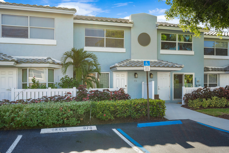 976 E Jeffery Street, Boca Raton, FL 33487