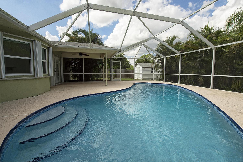 613 Nw Marion Avenue, Port Saint Lucie, FL 34983