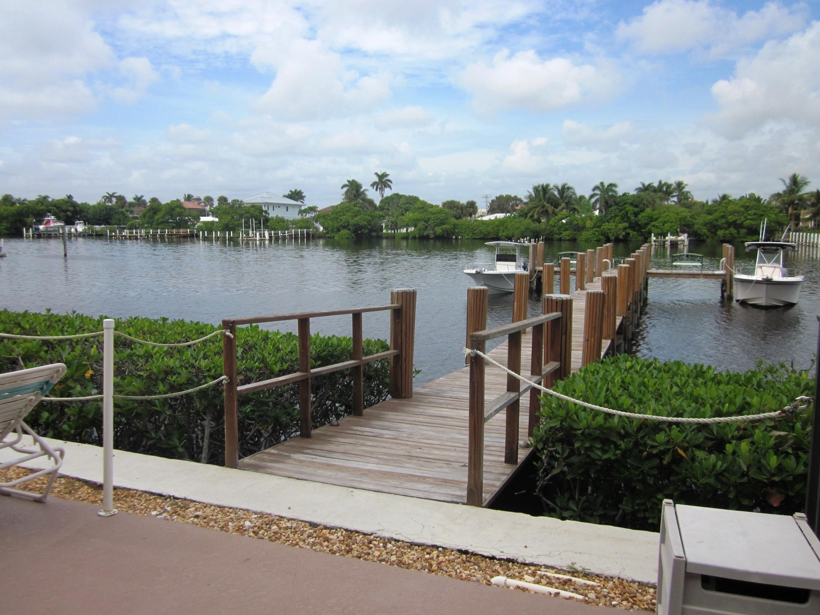 3525 S Ocean Boulevard, South Palm Beach, FL 33480