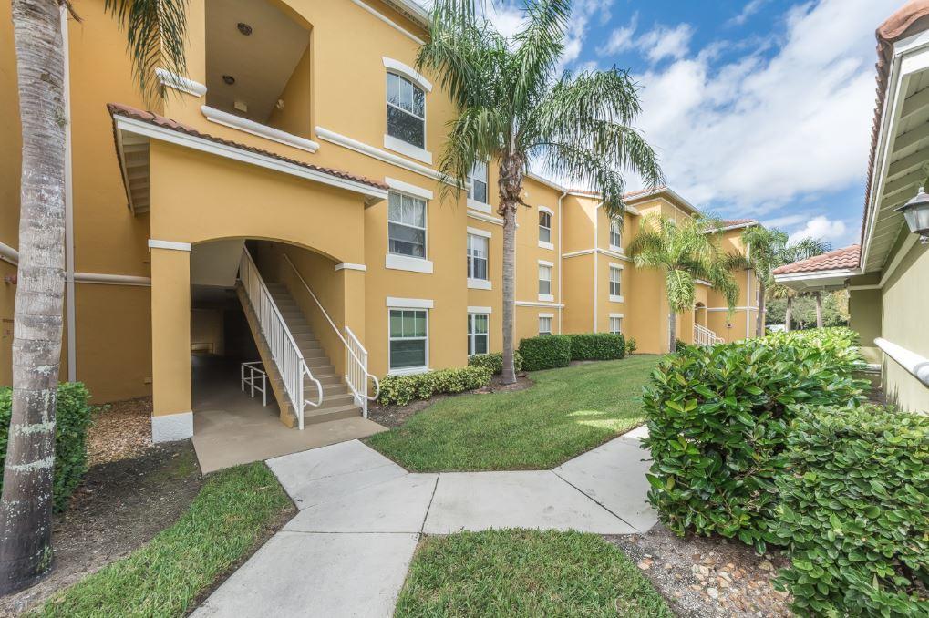 5090 Fairways Circle, Vero Beach, FL 32967