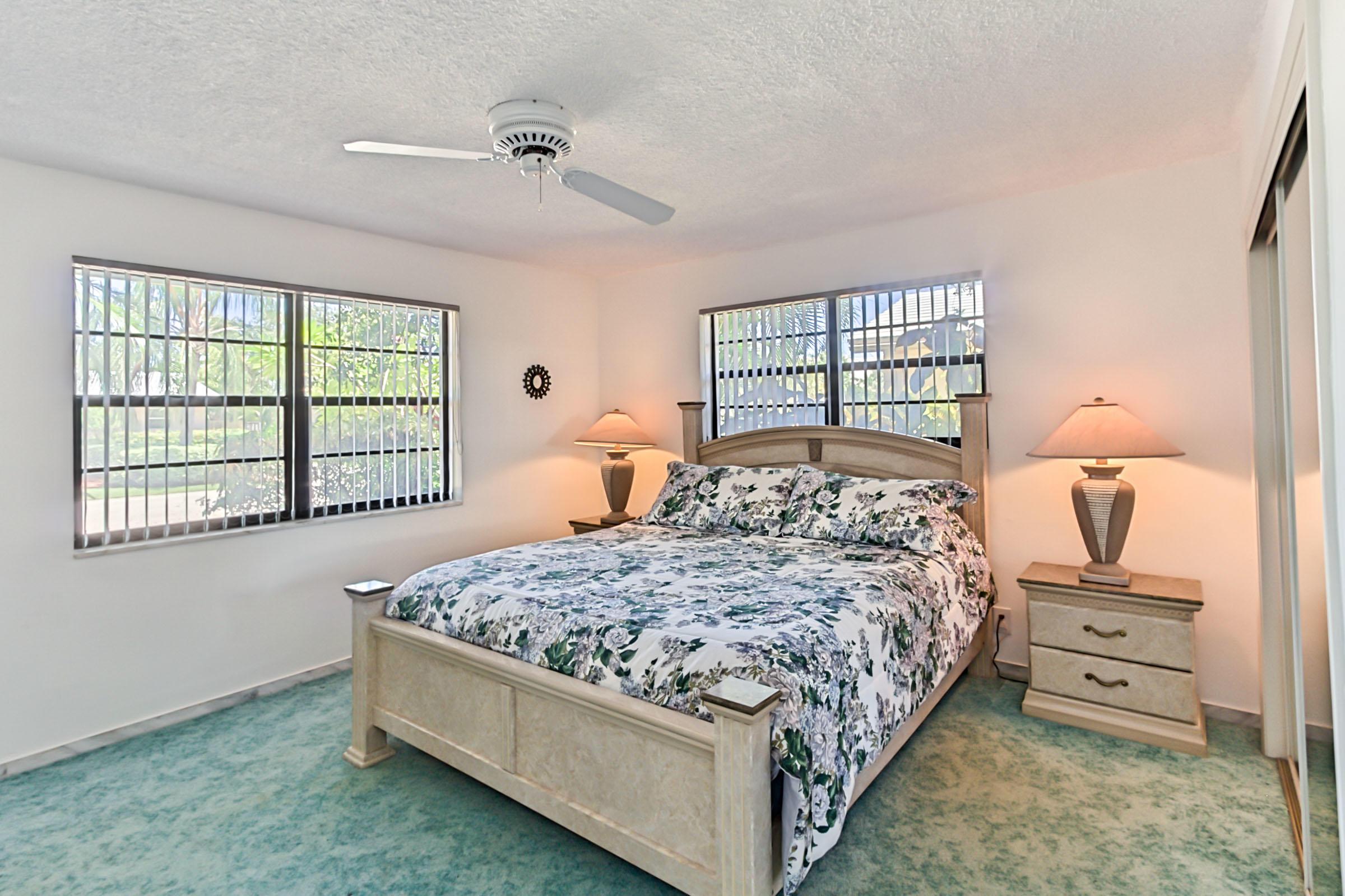 2858 Ne 33 Street, Lighthouse Point, FL 33064