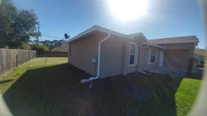 956 Sw Fenway Road, Port Saint Lucie, FL 34953