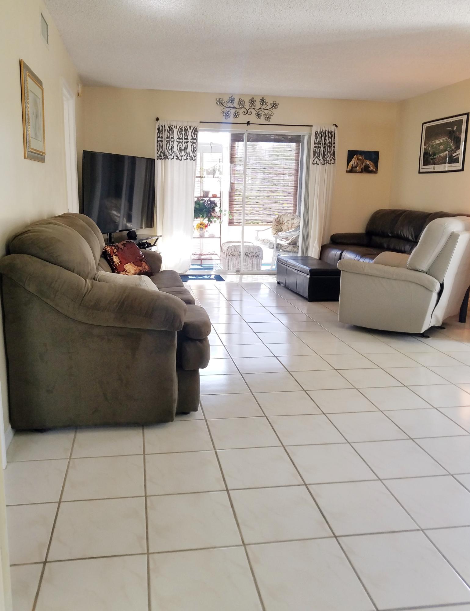 202 Se Village Drive, Port Saint Lucie, FL 34952