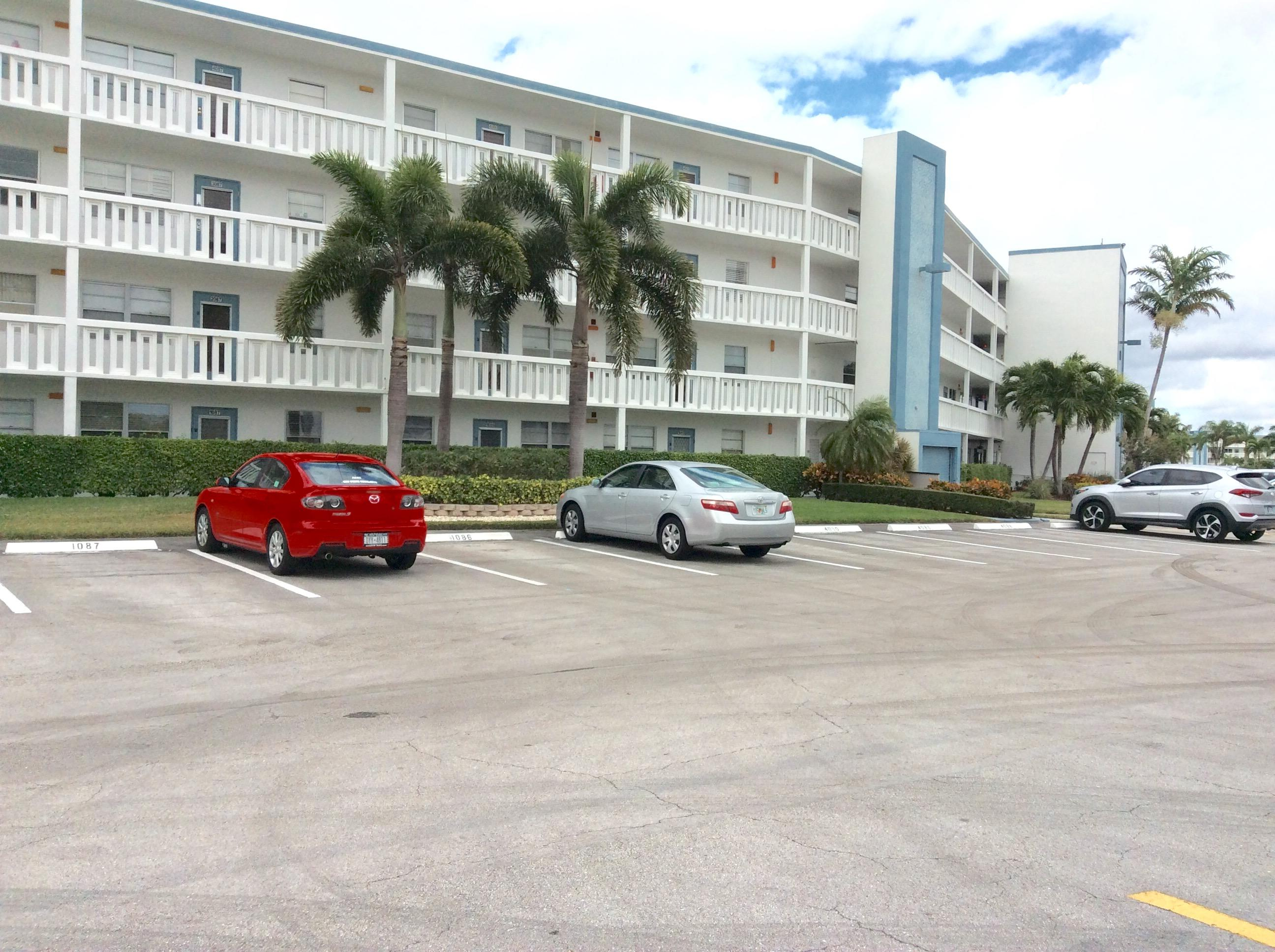 1085 Exeter E, Boca Raton, FL 33434