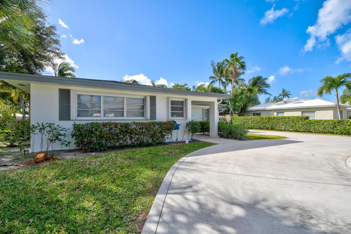 300 Bravado Lane, Palm Beach Shores, FL 33404