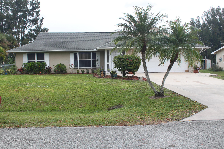 5902 Killarney Avenue, Fort Pierce, FL 34951