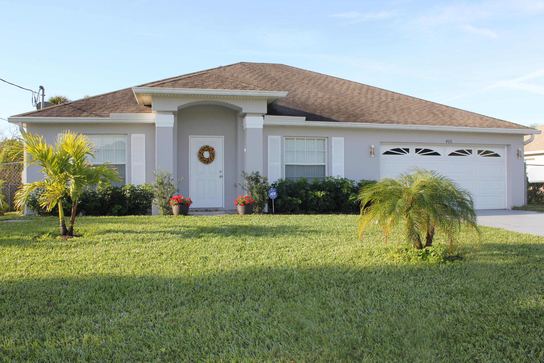 466 Se Essex Drive, Port Saint Lucie, FL 34984