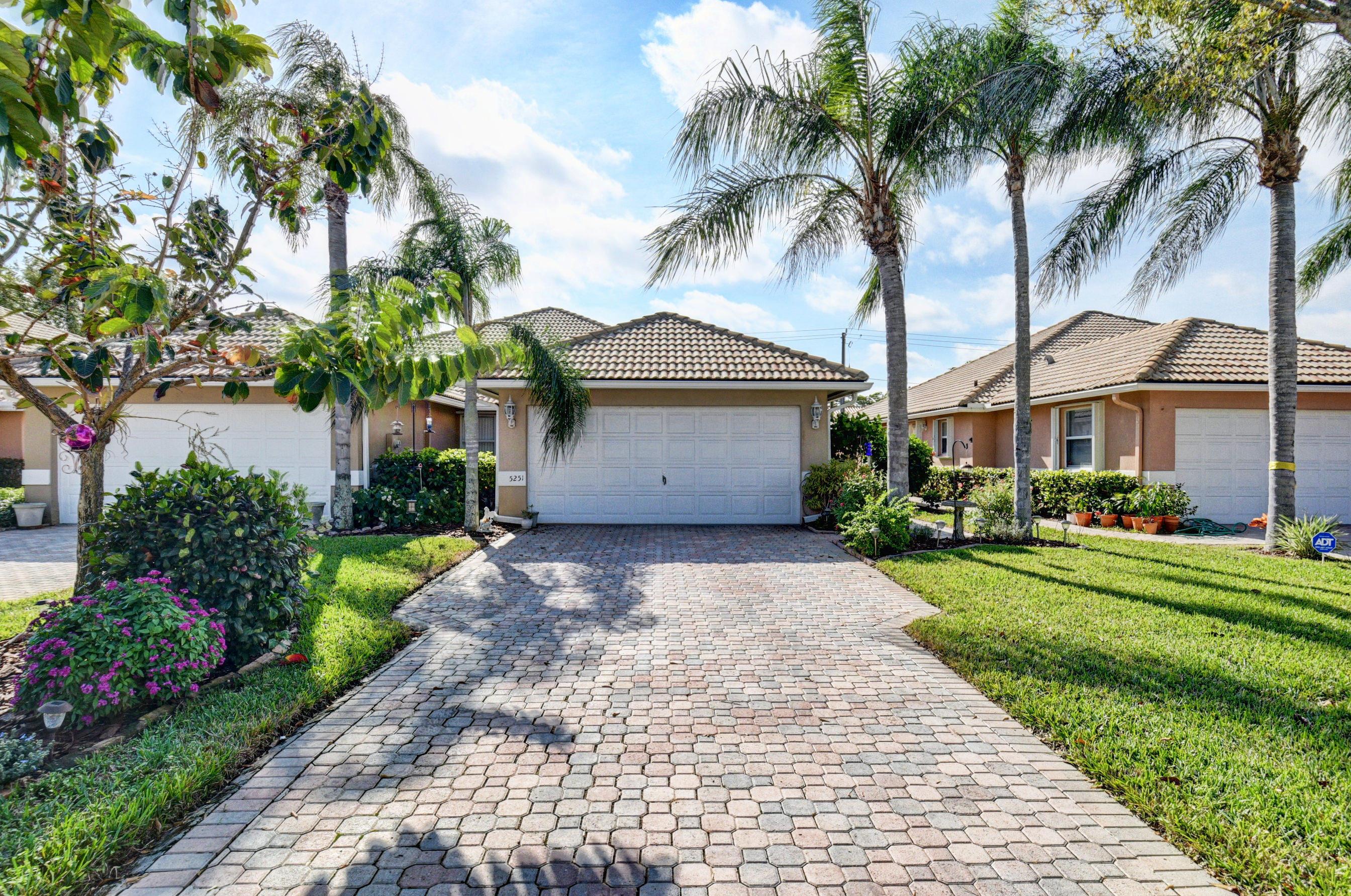 5251 Grande Palm Circle, Delray Beach, FL 33484