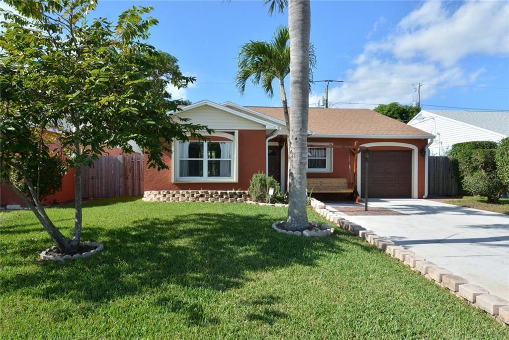 5698 Se Mitzi Lane, Stuart, FL 34997