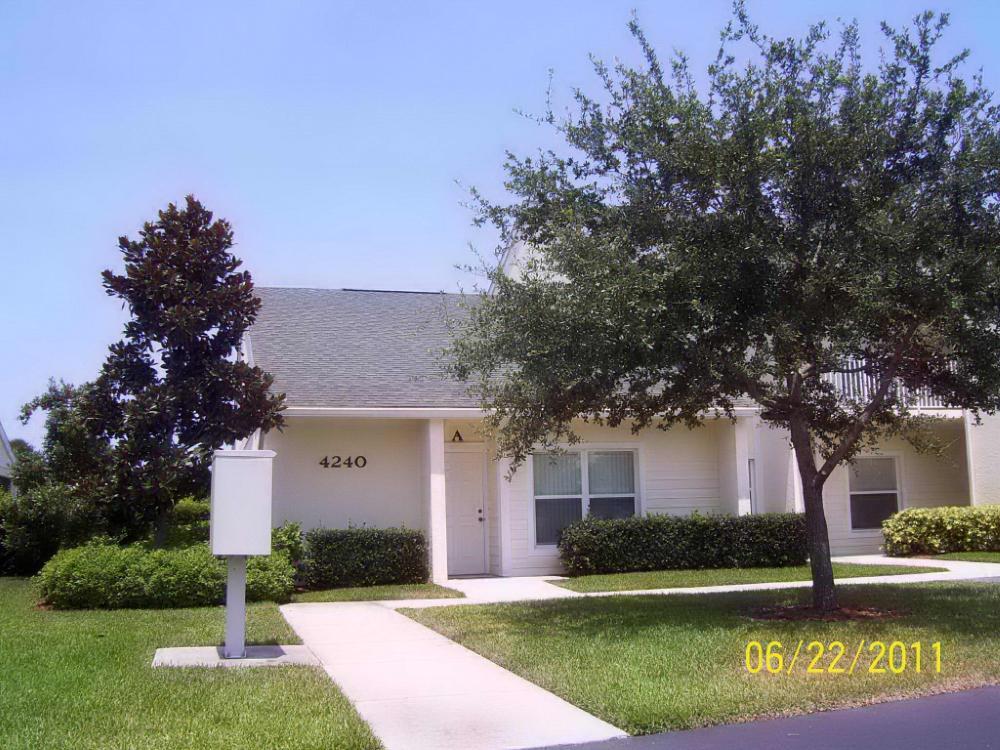 4240 Gator Trace Avenue, Fort Pierce, FL 34982