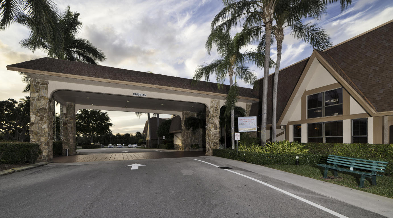 6795 Huntington Lane, Delray Beach, FL 33446