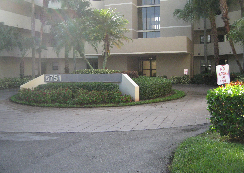 5751 N Camino Del Sol, Boca Raton, FL 33433
