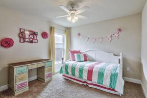 201 Ne Greenbriar Avenue, Port Saint Lucie, FL 34983
