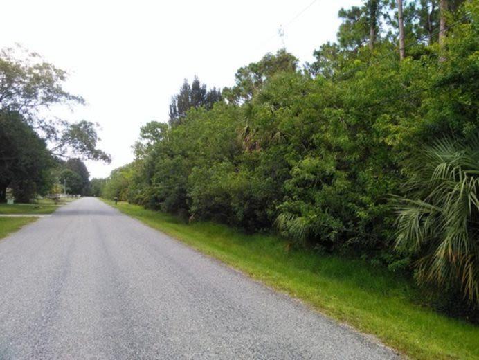 5004 Pinetree Drive, Fort Pierce, FL 34982