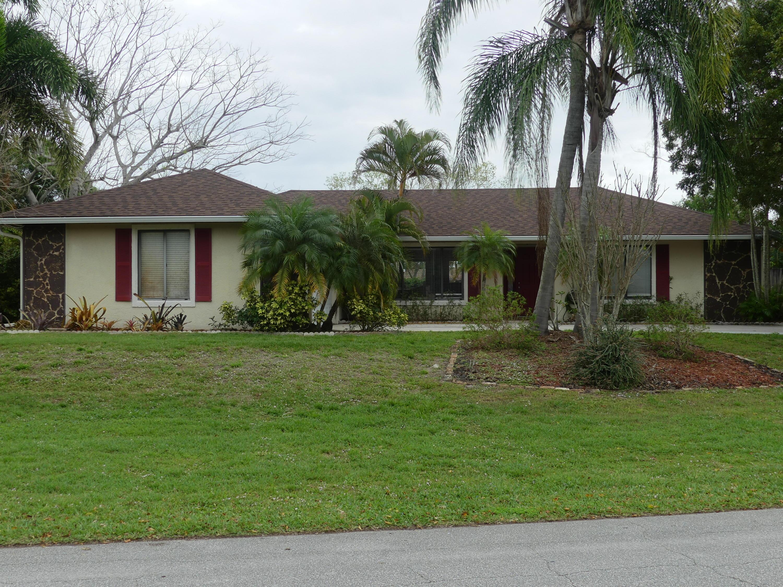 709 Ne Eastlake Street, Port Saint Lucie, FL 34983