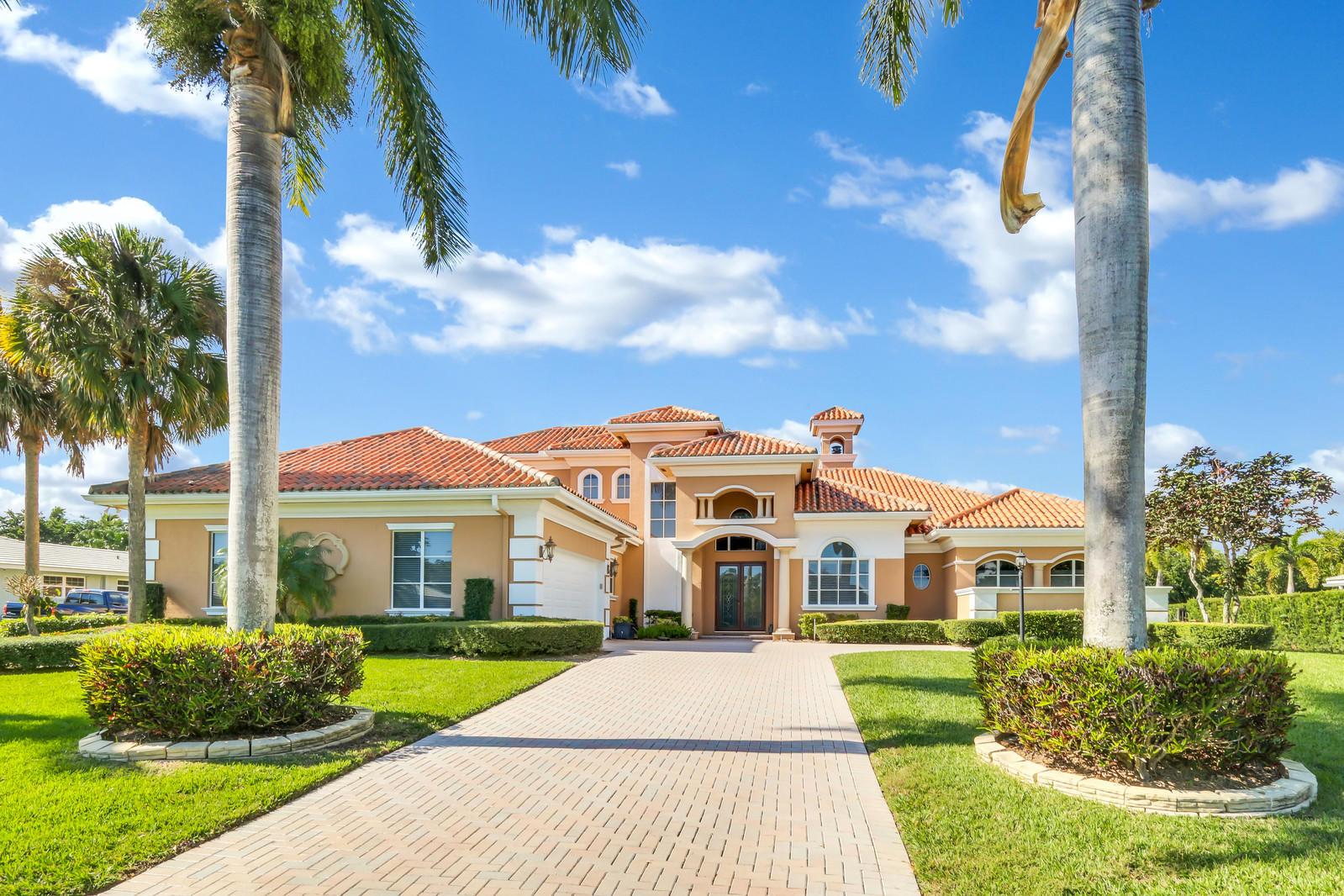 10633 Pine Tree Terrace, Boynton Beach, FL 33436