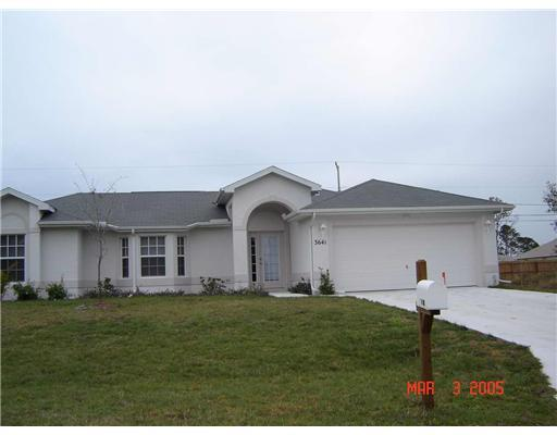 3641 Sw Camastro Street, Port Saint Lucie, FL 34953